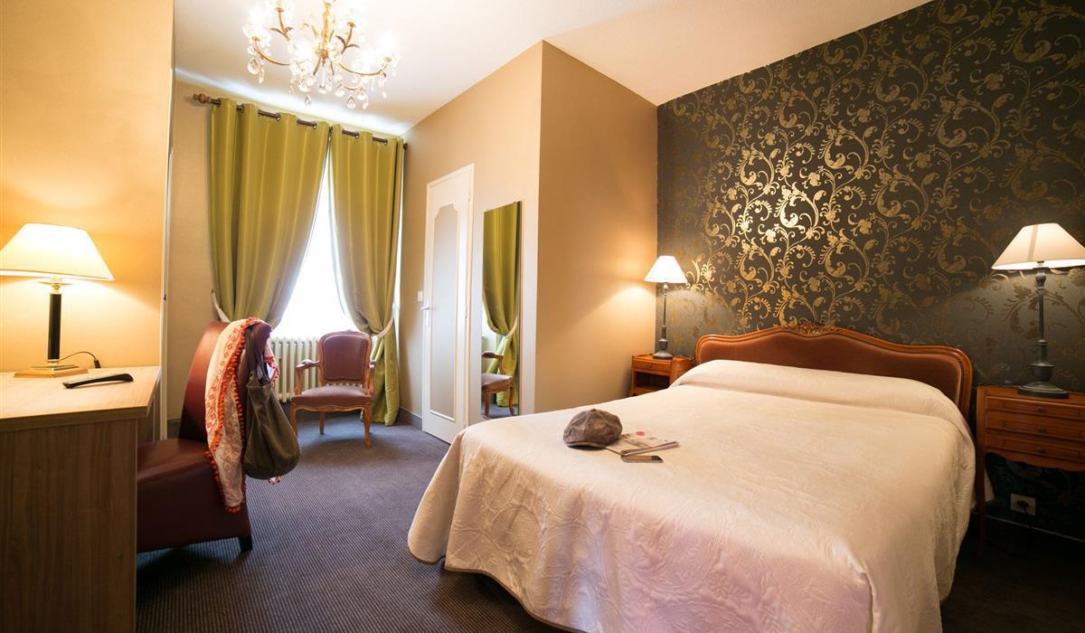 chambre double ou twin standard chambres d 39 hotel le. Black Bedroom Furniture Sets. Home Design Ideas